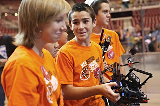 fll kids with robot stock 320.png